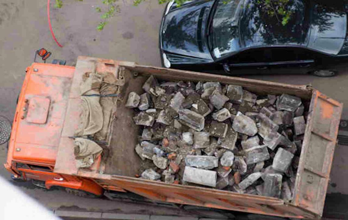 Вывоз мусора с территории